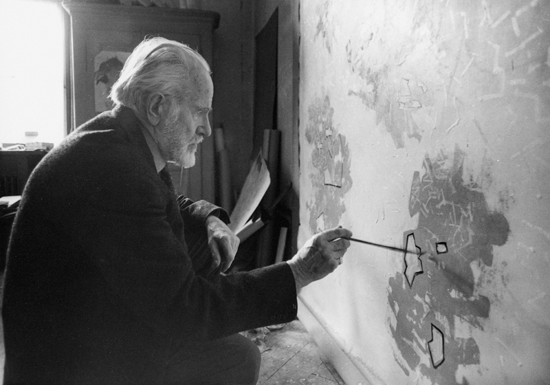 mark tobey - portrait atelier