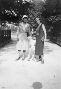 marie raymond - rose raymond yves klein ca 1932